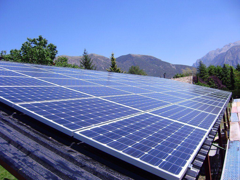 Paneles solares antes que salvar vidas
