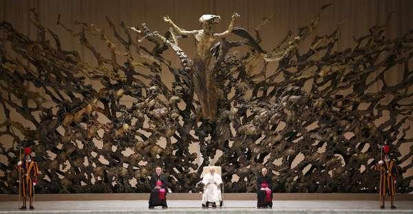 El Papa coloca una estatua de Lutero en el Vaticano y dice que no es lícito convencer de tu Fe