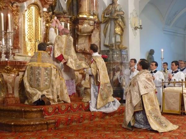 Una desconocida, o al menos discreta, y preocupante Comisión Vaticana