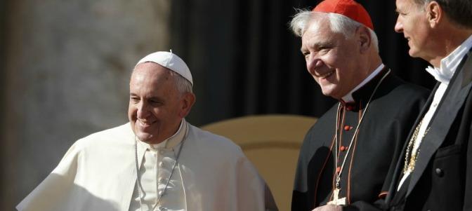 Müller critica el modo en el que ha sido despedido. 'La Doctrina social debe valer también en el Vaticano'