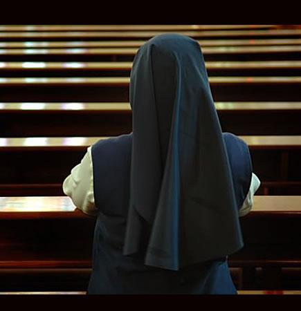 Orlandi desata pasiones, Francisco refunda la familia, Bertone y la monja de Palencia, pobres expulsados del Vaticano.