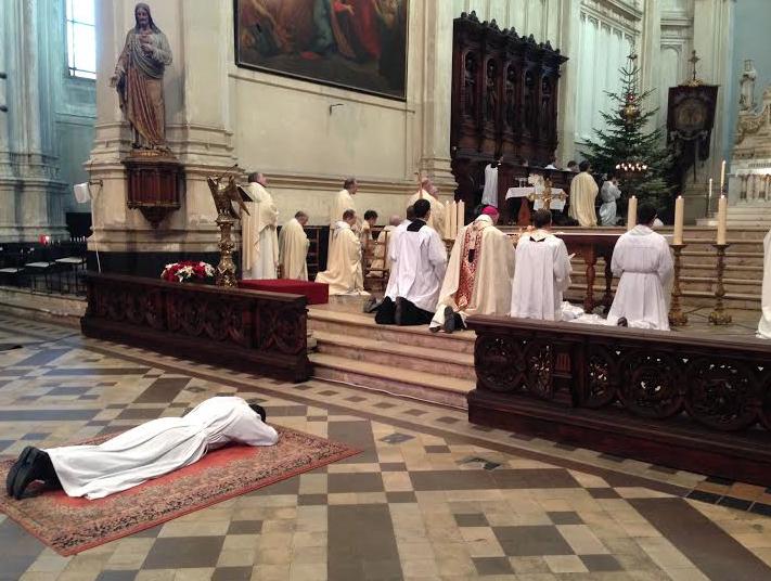 TELEGRAMA: Liquidación de la Fraternidad de los Santos Apóstoles, por la razón más sobrenatural que hay…