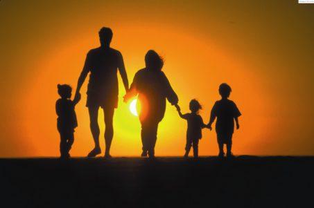 'Con una natalidad tan baja,nuestra sociedad es inviable a la larga'