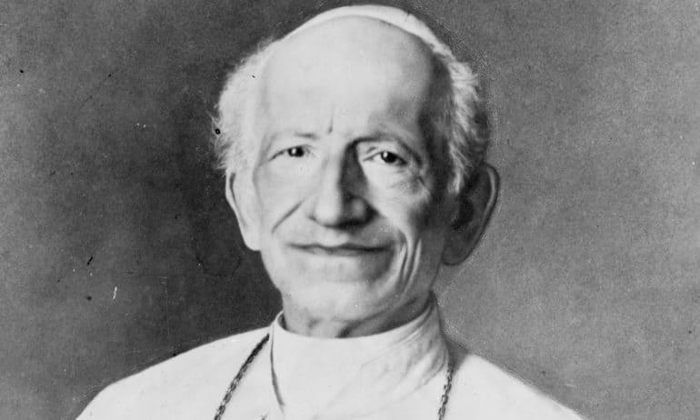 Le pape Léon XIII, qui a incorporé la prière contre Satan dans la liturgie.