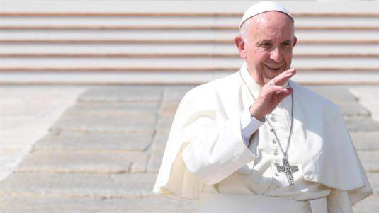 Francisco: 'El mundo está cansado de los obispos a la moda'