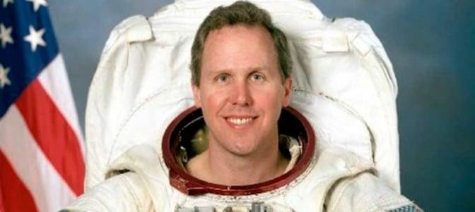 Un astronauta cuenta cómo recibió la Eucaristía en el espacio