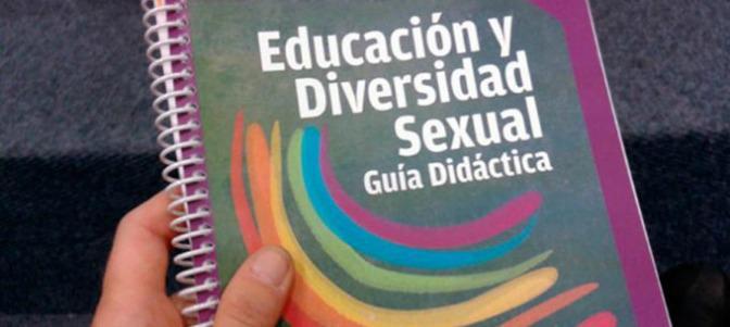 Así denuncia un profesor el adoctrinamiento de género en los colegios