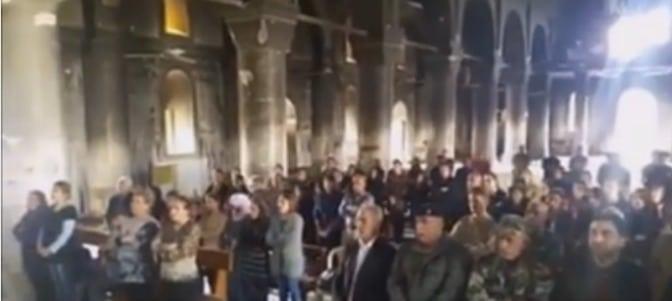 Conmovedor vídeo de una misa celebrada en una iglesia de Irak destruida por el ISIS