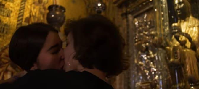 Lesbianas profanan la imagen de la Virgen de Montserrat
