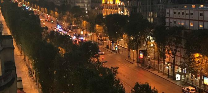El islam vuelve a golpear París: un policía muerto y dos heridos