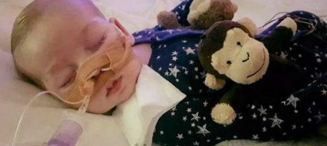 La imposición de la eutanasia amenaza a un bebé enfermo en Reino Unido