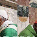 Las fotos de los cardenales saludando al Papa dejan imágenes importantes