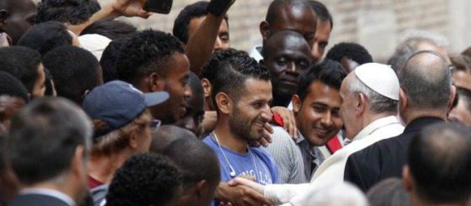 CasaPound acusa al Papa de favorecer la invasión islámica
