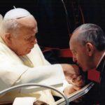 Hoy hace 17 años San Juan Pablo II creó cardenal al ahora Papa Francisco