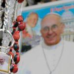Cuatro meses de prisión por vender imágenes del Papa sin royaltie del Vaticano