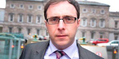 El político irlandés Robert Troy