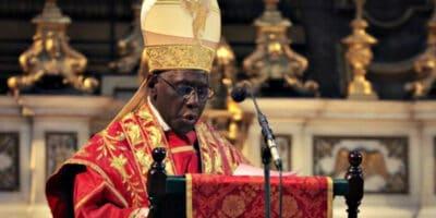 Cardenal Sarah forma extraordinaria