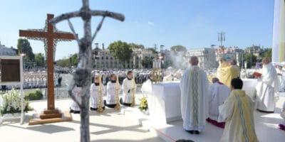 Papa Francisco Budapest Eucaristía