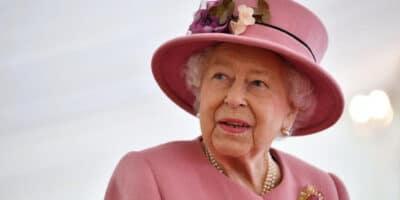 Reina de Inglaterra abad católico